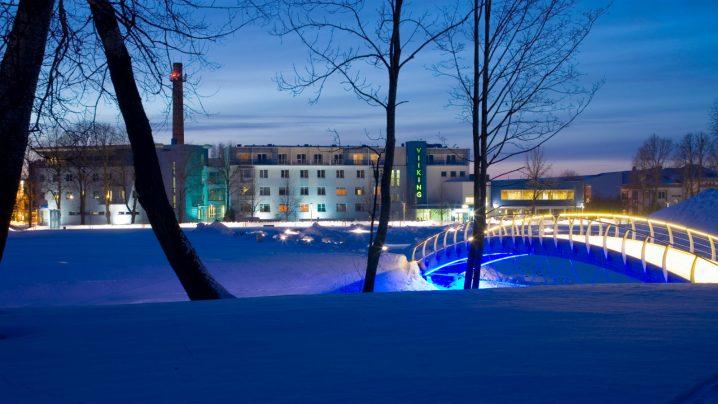 Vaade hotellile talvel